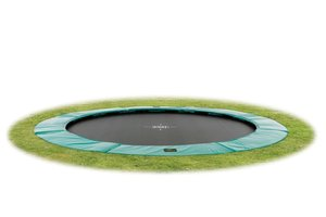 Ground level trampolines rond
